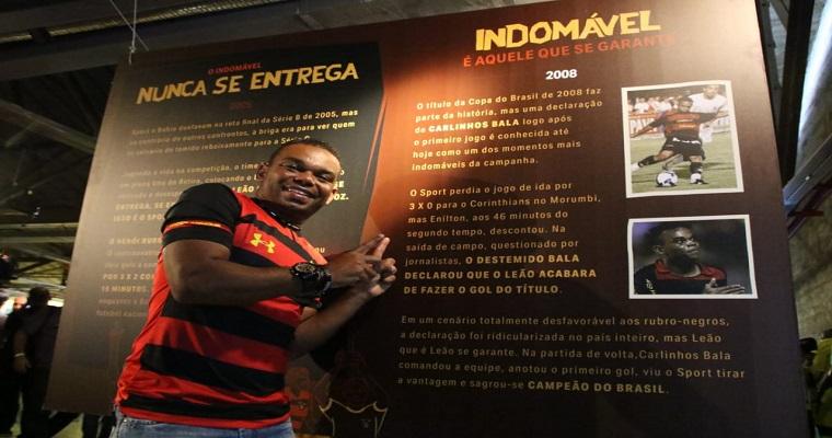 Exposição rubro-negra no Cais do Sertão
