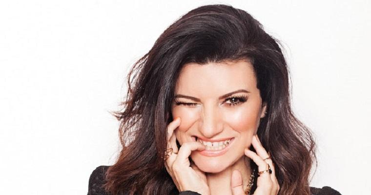 Cantora italiana Laura Pausini faz show em Recife