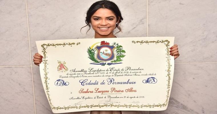 Lucy Alves é a mais nova cidadã pernambucana