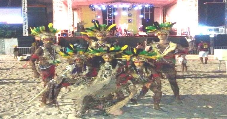 Espetáculo Índios do Brasil é apresentado no Teatro Barreto Júnior