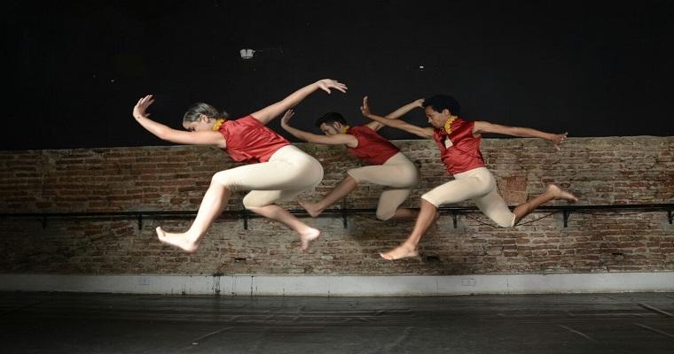 Projeto Quartas de dança apresenta 'Falso Brilhante'