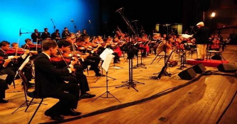 Orquestra Criança Cidadã se apresenta na Caixa Cultural