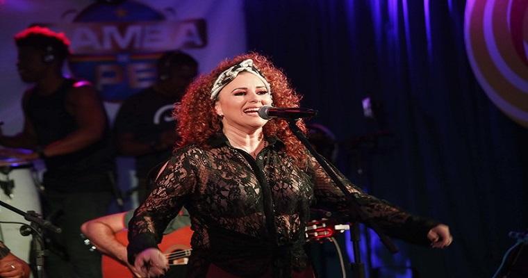 Gerlane Lops convida para o Recife samba de Pe neste sábado