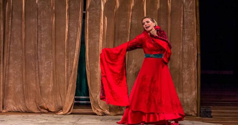 Maitê Proença protagoniza peça no Teatro RioMar