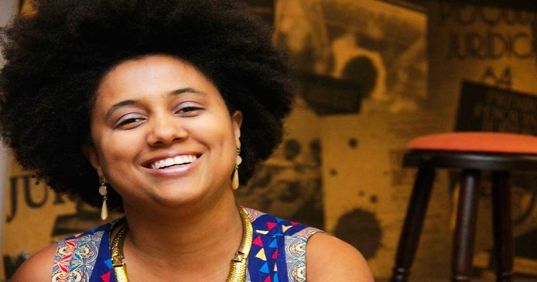 Sambista Marina Iris faz show na CAIXA Cultural
