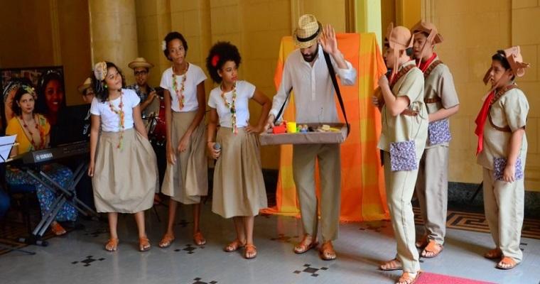 Coro infantil faz apresentação no Projeto Música no Palácio