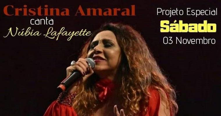 Cristina Amaral canta Núbia Lafayette na Casa de Bamba
