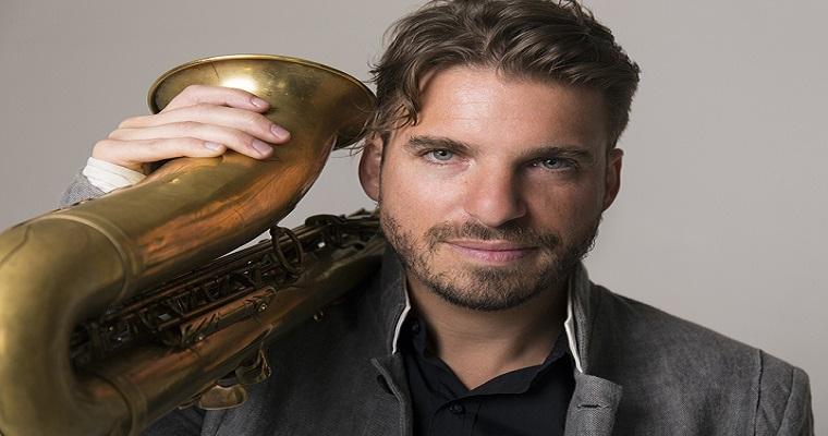 Jazzman francês Samy Thiébault faz show gratuito no Recife