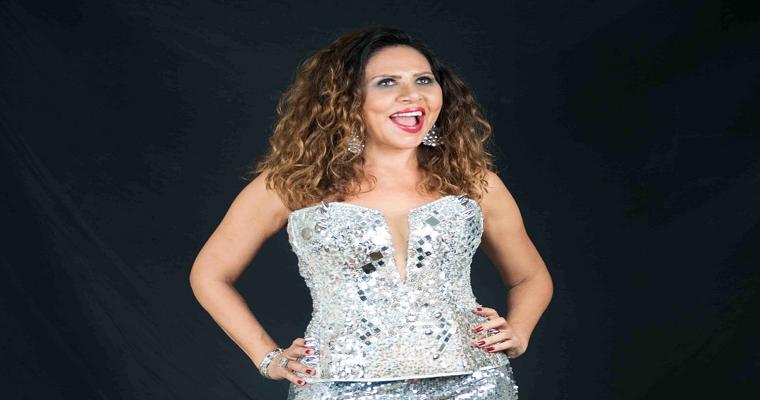Cristina Amaral celebra a mulher em seus shows de Carnaval