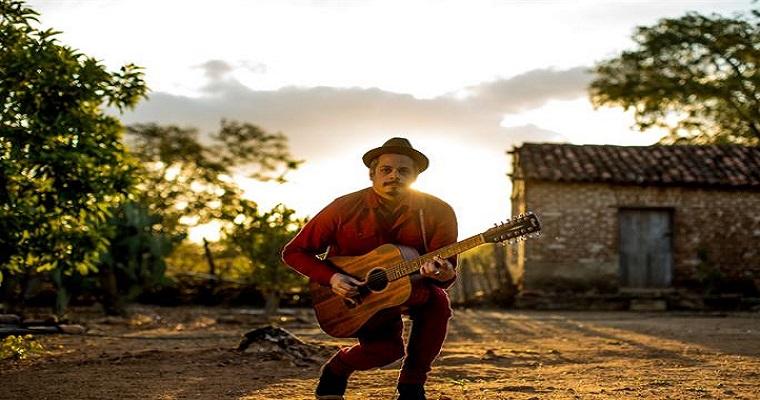 Bruno lins lança primeiro CD solo na Caixa Cultural