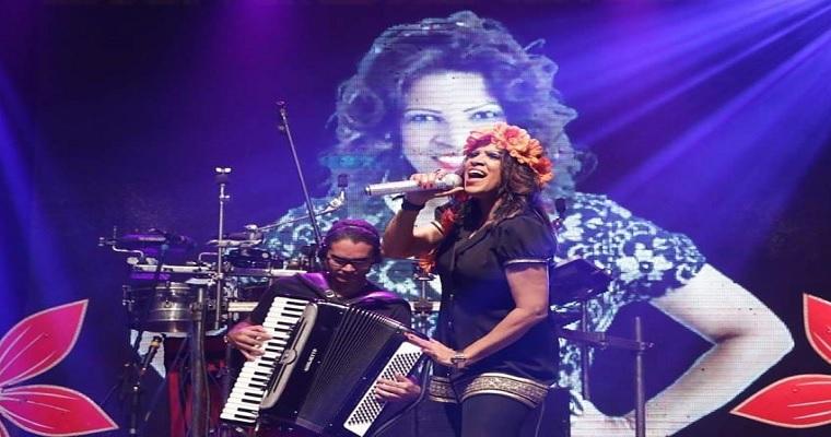 Nádia Maia lança novo CD em comemoração aos  28 anos de carreira