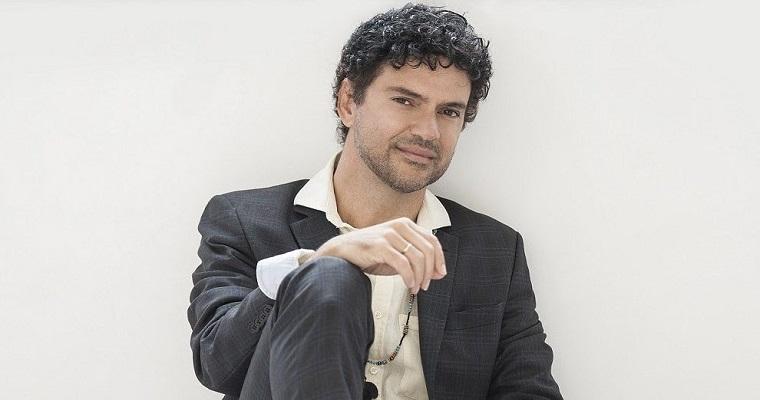 Jorge Vercillo traz a turnê 'Nas Minhas Mãos' para Recife
