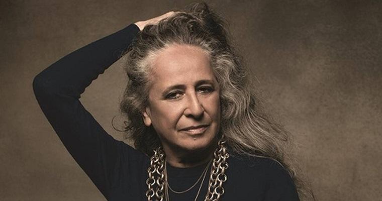 Maria Bethânia traz a turnê 'Claros Breus' para Recife