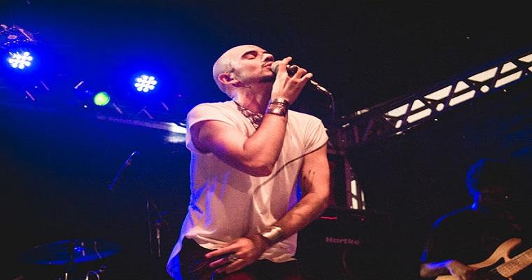 Lucas Torres faz show no Recife