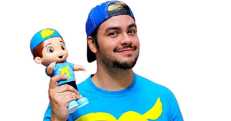 Boneco do Luccas Neto ultrapassa vendas da Barbie no Brasil