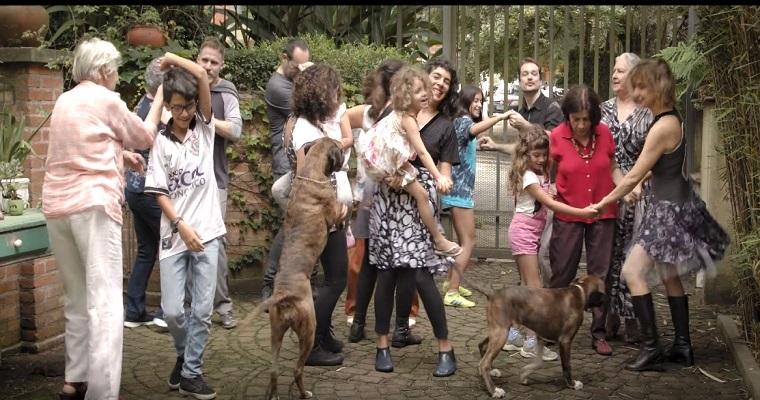 Barbatuques apresenta o videoclipe 'Minha Vó'