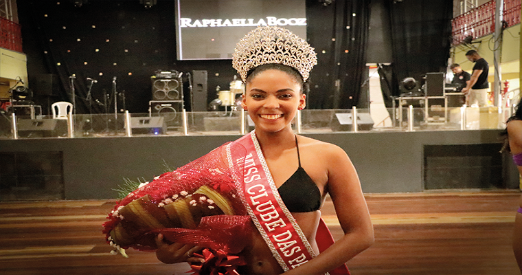 Luze Santos é eleita a Miss Clube das Pás.