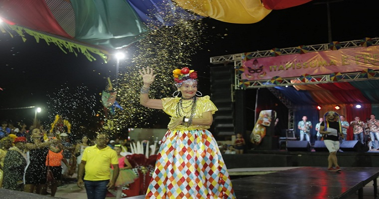 Frevo, axé e tradição animam o Carnaval de Itapissuma