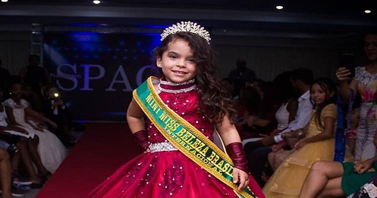 Rayra Julia ganha o Mini Miss Beleza Brasil Internacional 2020