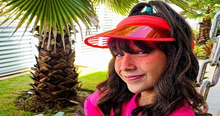 Atriz Duda Ramalho participa do novo clipe de Lorena Queiroz